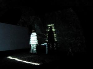 pierangela allegro_scritto dentro_in scena ombra frammenta