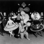 immagine di gruppo elementi diversi appartenenti a un genere unico creano unità balletto triadico 1922 figure e maschere nello spazio